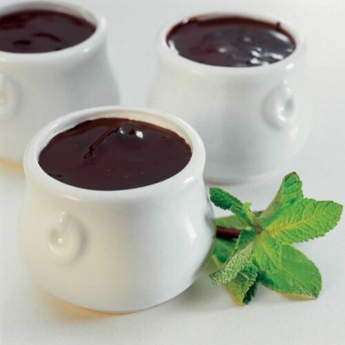 Petits pots de creme com chocolate e menta