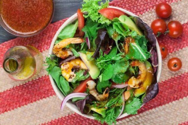 Salada caribenha