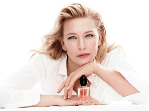 Cate Blanchett brilha como embaixadora do perfume Sì Georgio Armani