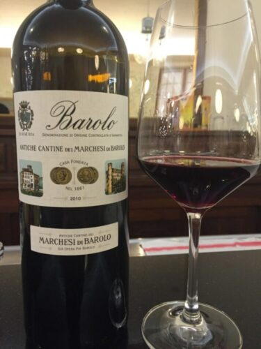 A melhor bebida para o seu signo vinho barolo