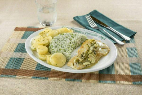 Bacalhau com Molho Meunière com Arroz de Brócolis e Batata Sautée