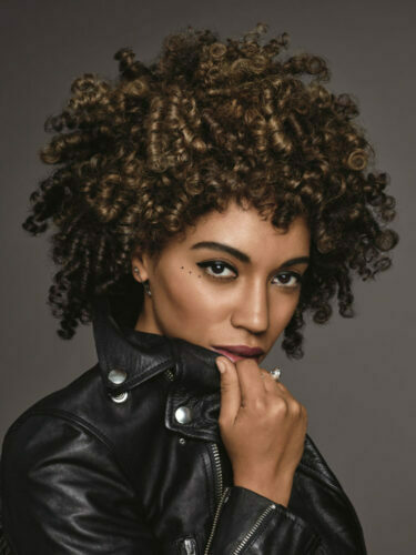 Redken apresenta Curvaceous: A nova linha para cabelos cacheados